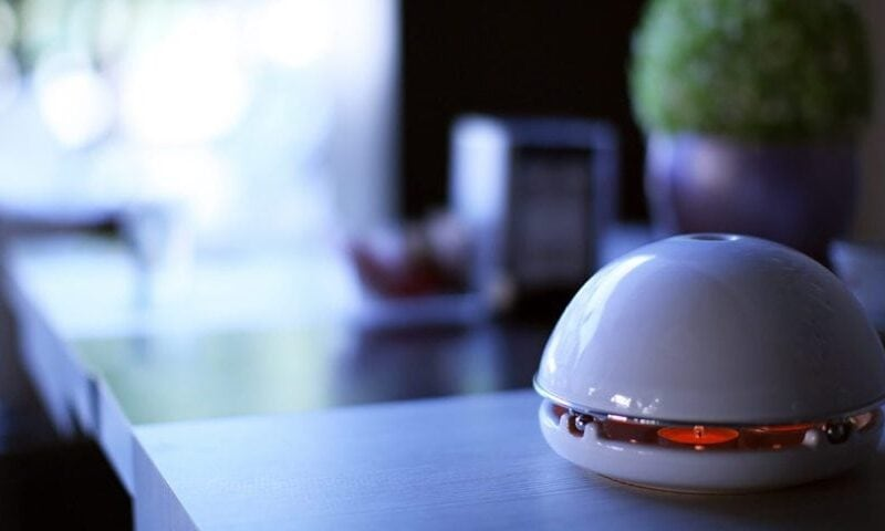 Egloo is an all in one house heater, essential oil diffuser, home humidifier and desk accessories. This italian terracotta is perfect as awesome gadgets and interior decoration.